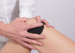 knee 2768834 640 300x212 - Ortopedia pediatrica. Controlli clinici regolari a partire dai tre anni