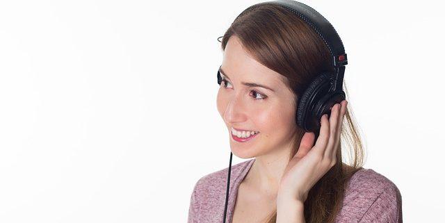woman 977019 640 640x321 - Apparato uditivo. Controlla il tuo udito con un semplice test
